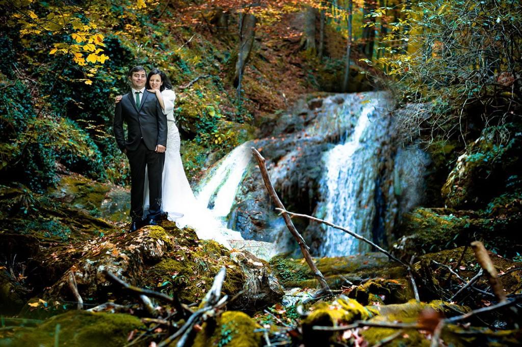 Sedinta foto dupa nunta la Cascada Cioclovina 02